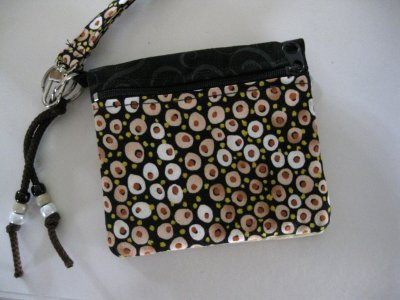 Fun In the Hoop (ITH) Zippered purse made in one hooping!